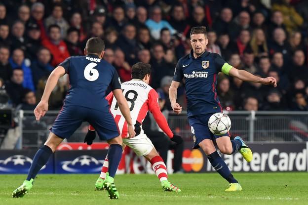 Gabi had a shot that tested the PSV goalkeeper