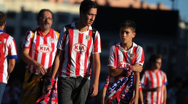 Atlético fans arrive at the Calderón ahead of tonight's match