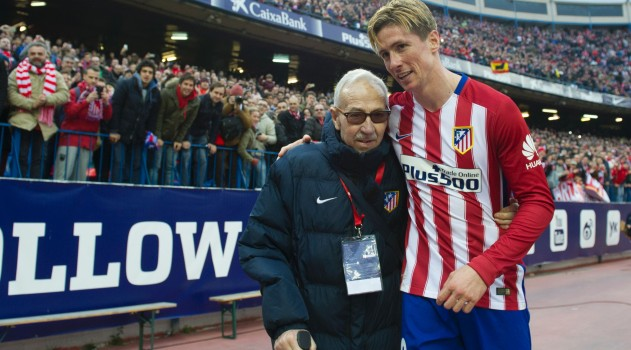 Fernando Torres scores his 100th goal and celebrates with Manuel Brinas