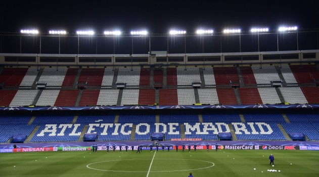 It's a Champions League night at the Vicente Calderón!