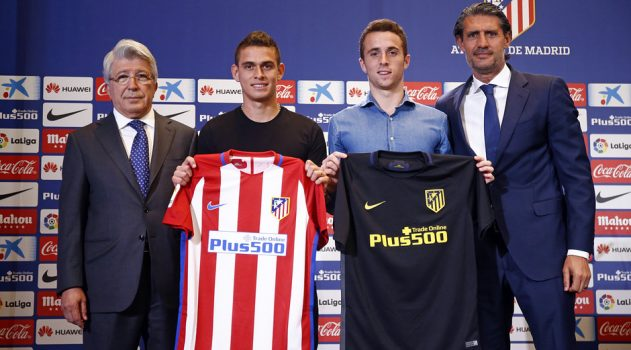 Santos Borré (L) and Jota (R) were the first to try out the new kits