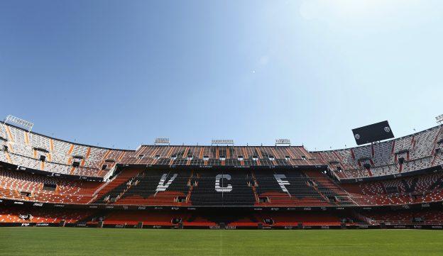 All eyes on Mestalla for lunchtime La Liga action