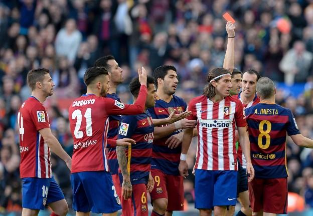 Filipe Luís dismissed for challenge on Lionel Messi