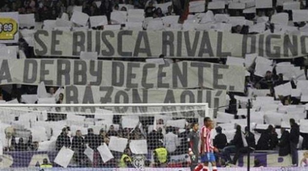 The sign that Real Madrid fans held aloft in the 4-1 win over Atleti in 2011