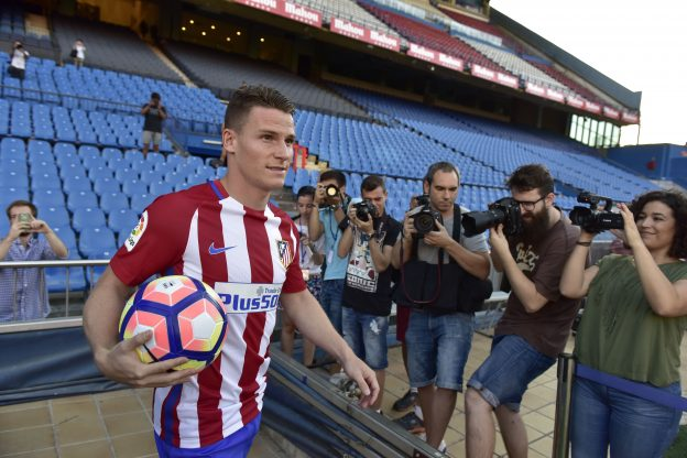 Gameiro walks out for the first time in his new colours