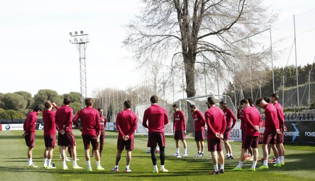 With five injured players, Simeone prepares the team to face Granada.